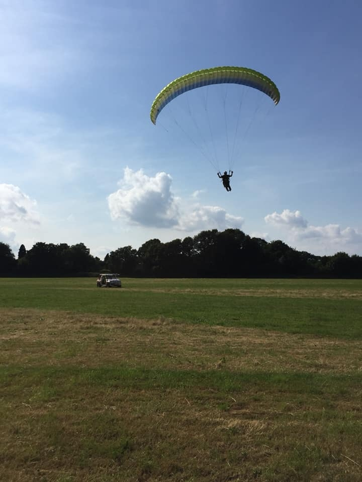 Parallel towing paragliders at Green Dragons
