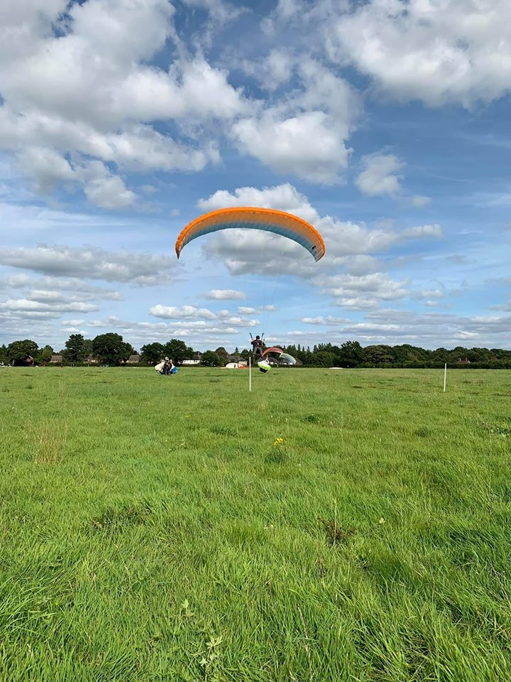 Paraglider towing with Green Dragons near London