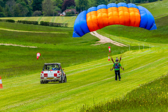 Parascending training with green dragons