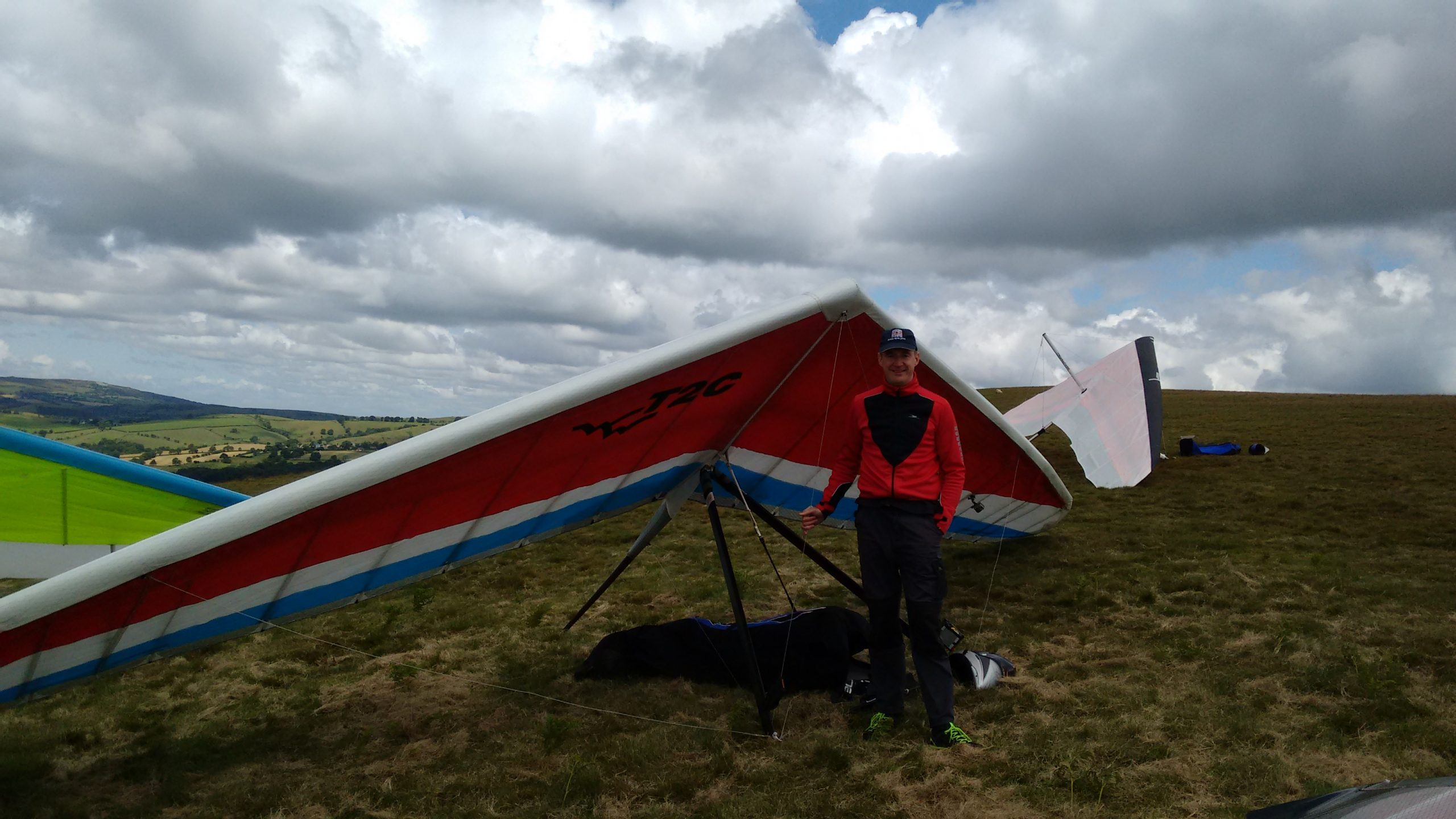 Green dragons hang gliding thermal chasers